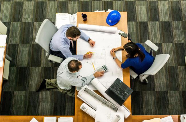 Como trazer mais eficiência para a gestão de custos na indústria da construção