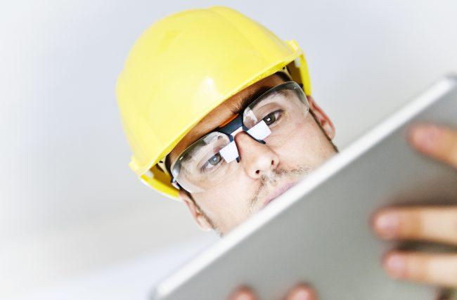 Como o Módulo de Registros auxilia as construtoras no controle de fornecedores e equipes da obra