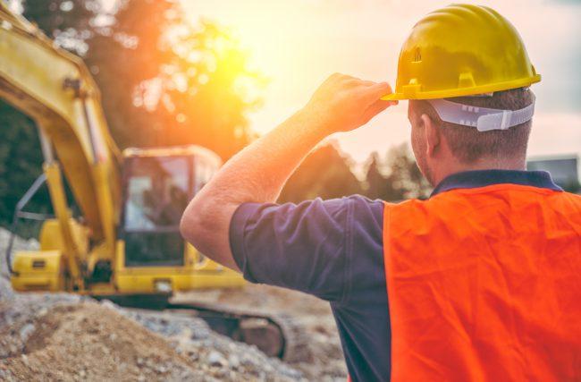 Como controlar os processos que são requisitos de qualidade na construção?