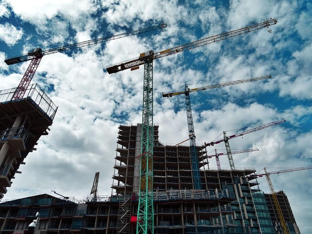 Como a Internet das Coisas (IoT) pode transformar a gestão de obras na indústria da construção