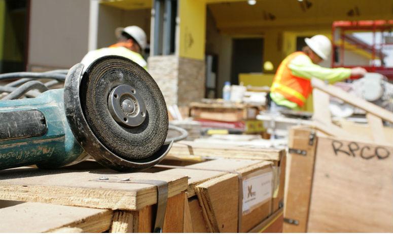 Entenda a importância da prevenção de acidentes na construção civil e saiba como garantir este fator-chave em sua construtora. Clique aqui e comece já!